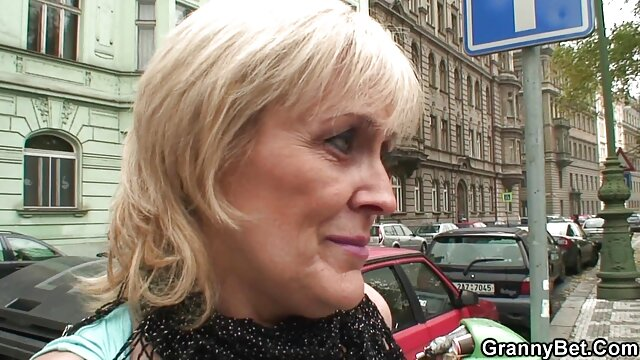 Enge Frau reitet Hahn free jung sex